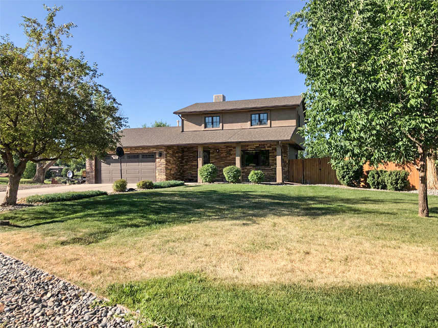 2575 Young Court - 3 bedroom, 2 bath home in 1/2 acre in North Grand Junction