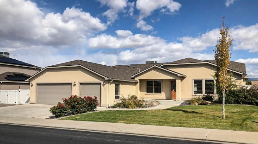 164 Winter Hawk Drive, 3 bedroom, 2 bath home with separate living & family rooms. Brand new flooring & paint throughout. 3-car garage + RV parking and a large back yard.