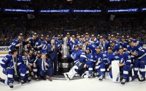 Tampa Bay Lightning campeão da Stanley Cup pelo segundo ano consecutivo