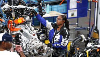 jobs economy 700x420