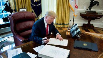 trump signs tax cuts