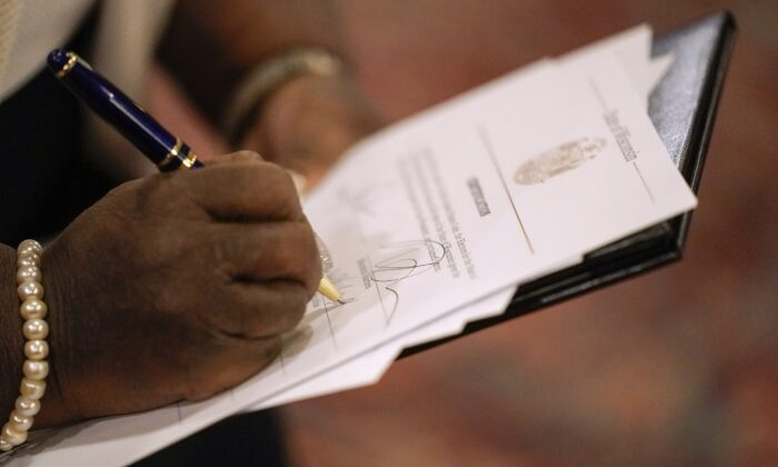 Amistad Project Says State Legislators, Not Executive, Need to Certify Presidential Electors
