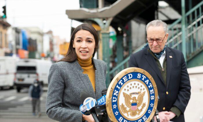 New York Democratic Party Chief Warns Ocasio-Cortez Not to Challenge Schumer
