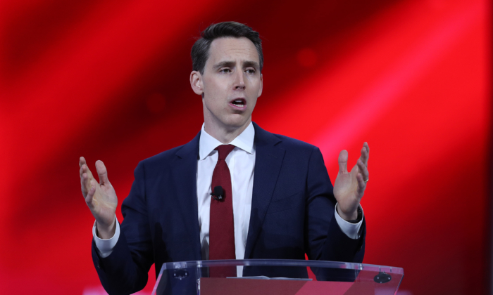 Sen. Josh Hawley Introduces Antitrust Bill to 'Bust Up' Big Tech Like Google, Amazon