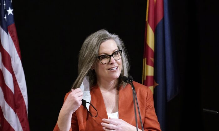 Arizona's Top Elections Official Tells Maricopa County to Get New Election Machines