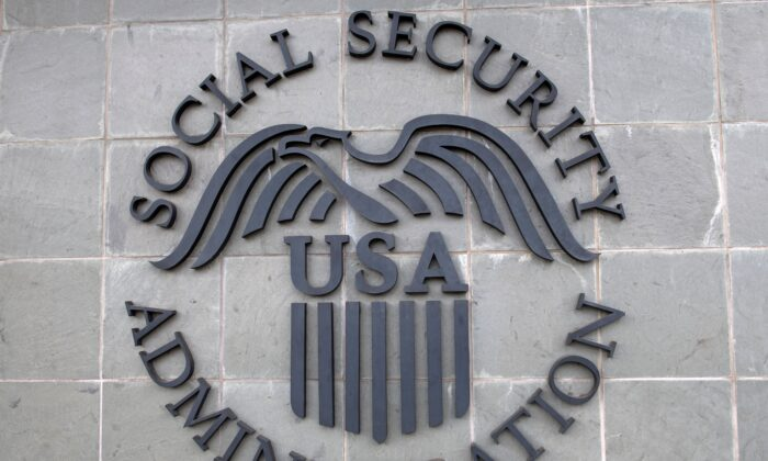 Officials Agree Social Security, Medicare Are in Deep Trouble, but Solutions Mean Tough Choices