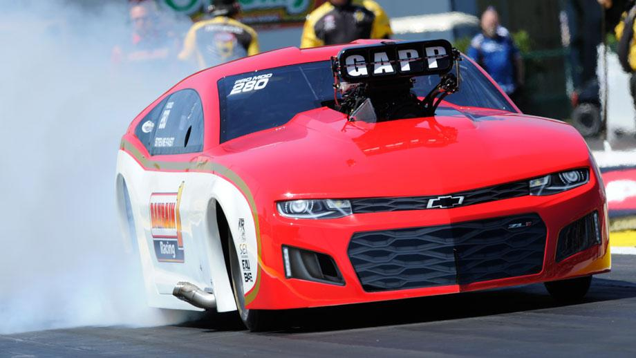 Jackson races to Friday Pro Mod qualifying lead in