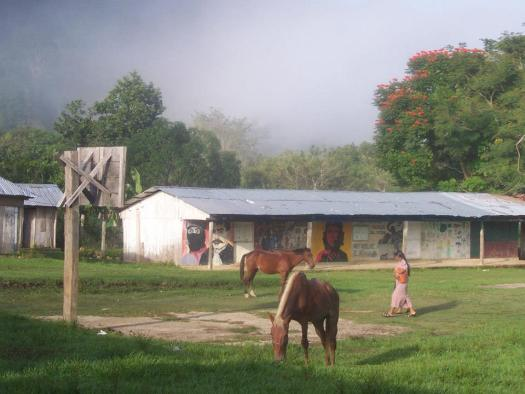 L'école de La Realidad avant sa destruction