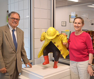 "Dr. William J. Murabito with Susan Geissler '74 at the dedication of her sculpture, ""Puddle Jumper""."