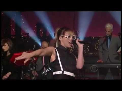 , Video: Mark Ronson & The Business Intl. ft. Q-Tip & MNDR – 'Bang Bang Bang' (Letterman)