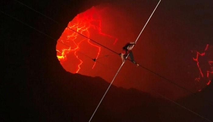 Nik Wallenda logra cruzar el volcán Masaya sobre una cuerda