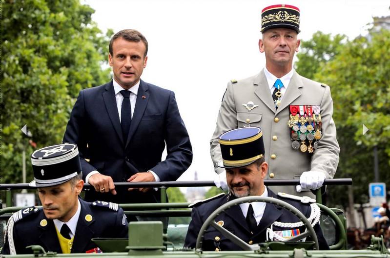 Macron Lecointre 14 juillet 2019 décorations