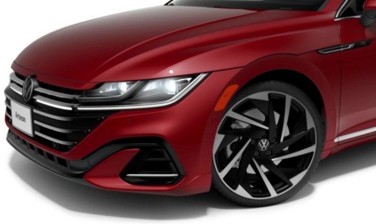 arteon-headligths-and-front-bumper