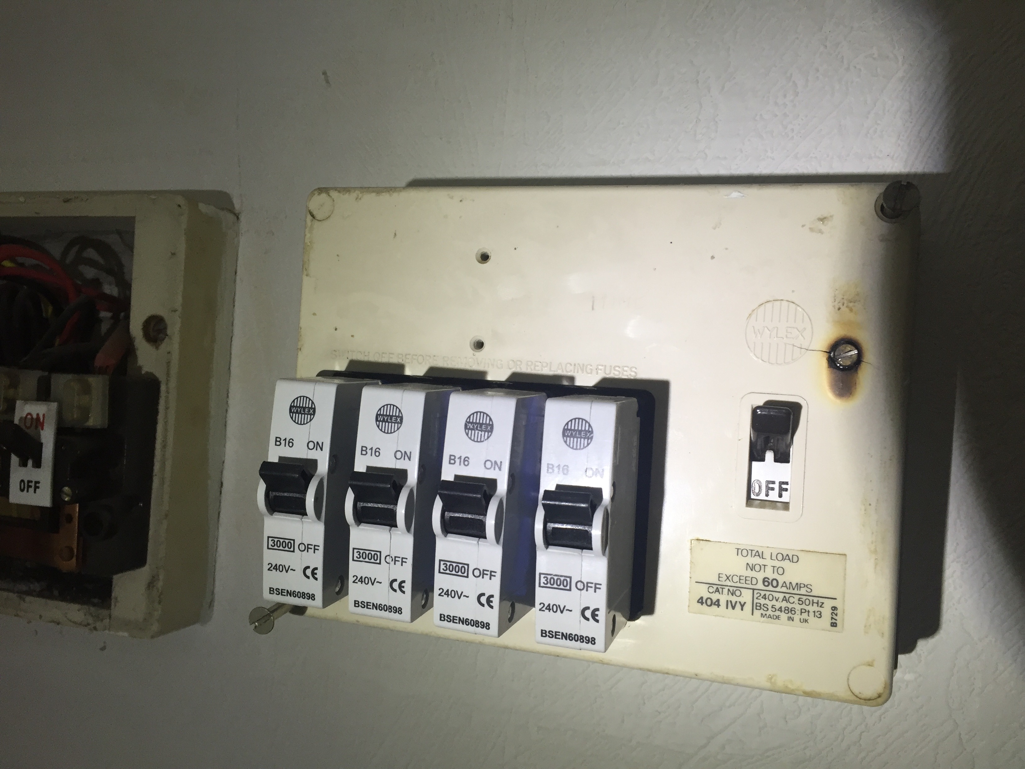 Electrical Test And Inspection Dangerous Wiring Light Switch Spur Very Fuseboard