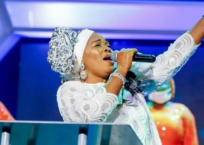 Download Oba Ni Mp3 By Tope Alabi Ft. TY Bello