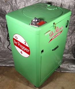 vintage vending devices machines (14)