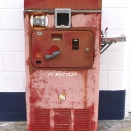 vintage vending devices machines (5)