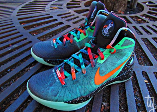 9a5dc94c68af Nike Zoom Hyperdunk 2011 Supreme