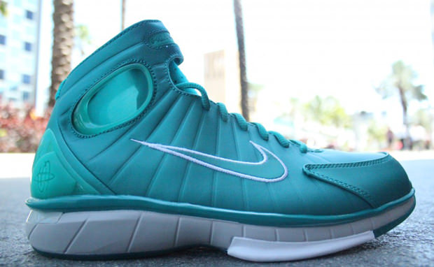 8fb6e139369d Nike Air Zoom Huarache 2K4 Lush Teal New Green Available Now