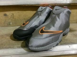 "best service add7d fb07c Nike Air Zoom Flight The Glove ""Oregon State"" Release Date"
