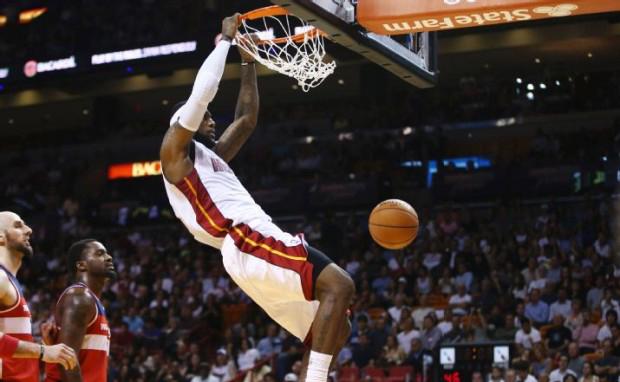 premium selection 7a0cd 4fd1a Kicks On Court  LeBron James Debuts Nike LeBron 11 Low