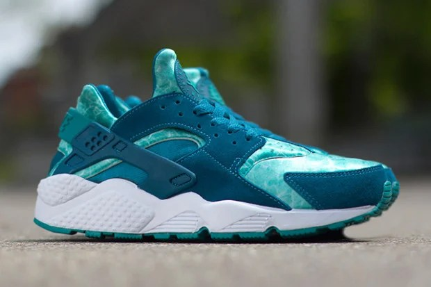 premium selection 0caac 395ea Nike Air Huarache Green Abyss/Turbo Green | Nice Kicks