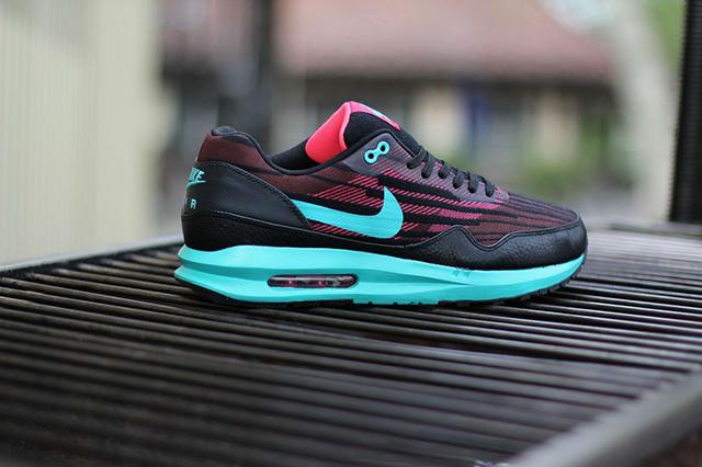 designer fashion 22ca8 a8cbb ... shoes sold sweet 52cf8 0d363  uk nike air max lunar1 hyper jade 0ed3c  cf669