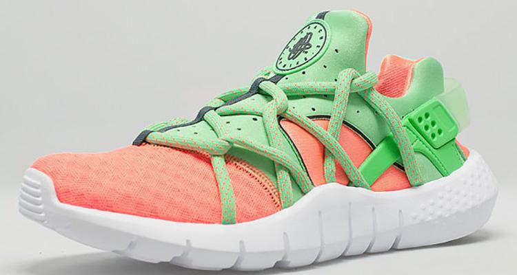 new styles da219 f8bef Nike Air Huarache NM Total OrangePoison Green