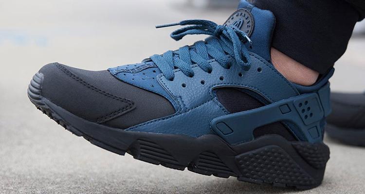 half off e72aa fd596 Nike Air Huarache Black Squadron Blue