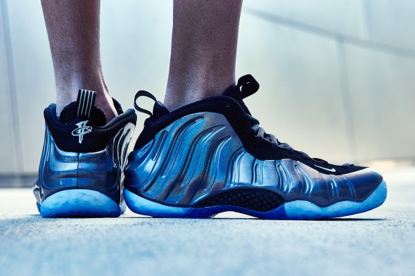 239ec8959b1 Nike Air Foamposite One Mirror On-Foot Look