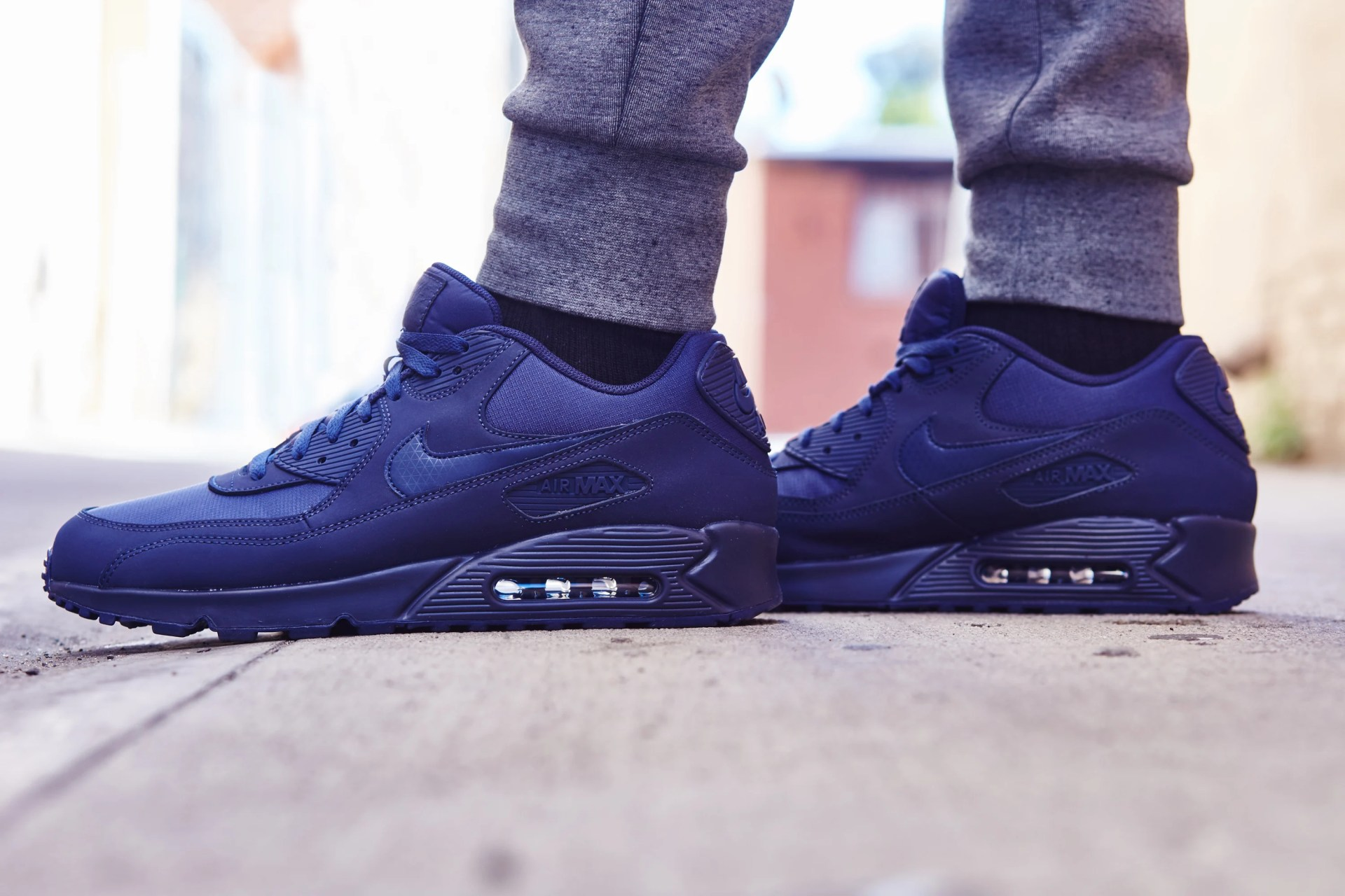 the best attitude 7ccaf e99ea On-Foot Look // Nike Air Max 90 Essential