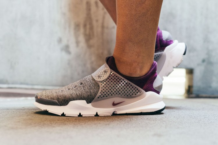 NikeLab Sock Dart Fleece Grey Heather/Mulberry On-Foot Look