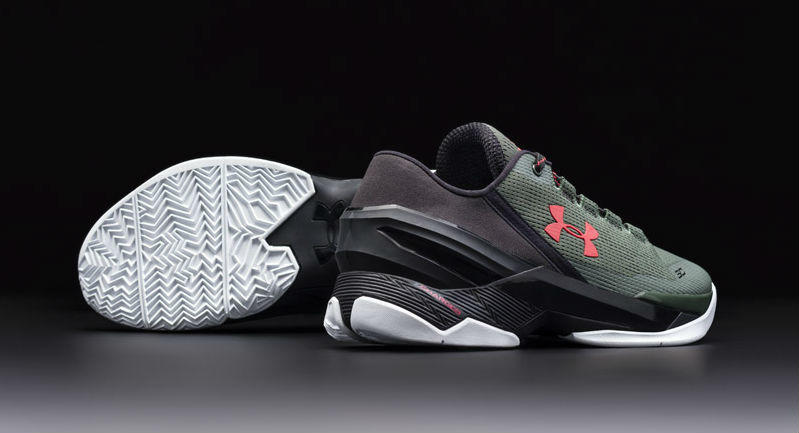 Under Armour Curry Two Low Hook