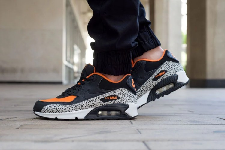 "Nike Air Max 90 ""Safari"" On-Foot Look"