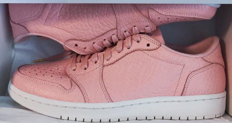 Air Jordan 1 Low Swooshless Pink