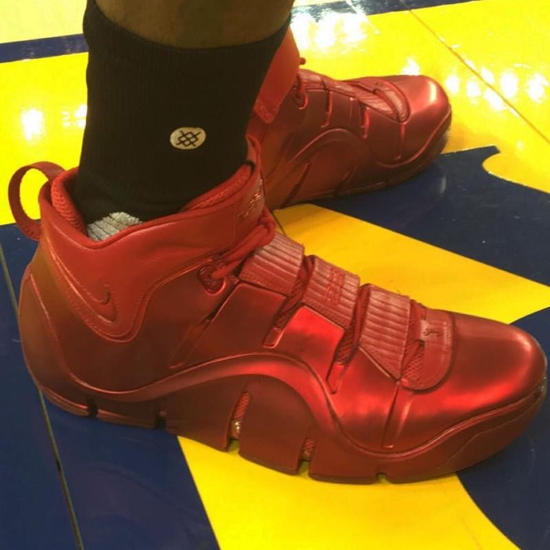 e909b308bc7 LeBron James Wears Nike LeBron IV PE During NBA Finals Practice ...