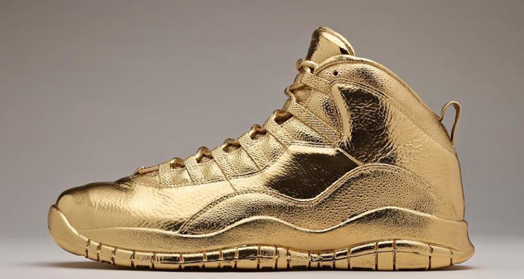 6f67213fdd4372 Drake Gets Laced With All-Gold Air Jordan 10 Custom