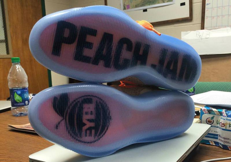 check out aa953 0bdcf nike kobe 11 peach jam