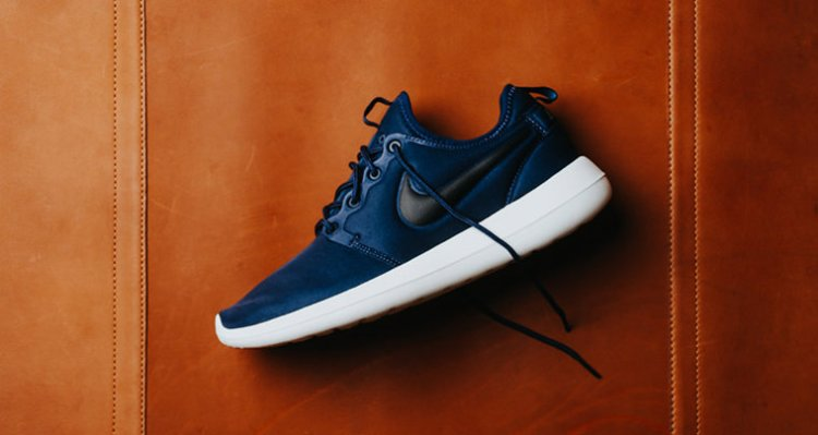 8ef1b6e2e2c6 Nike Roshe Two Midnight Navy