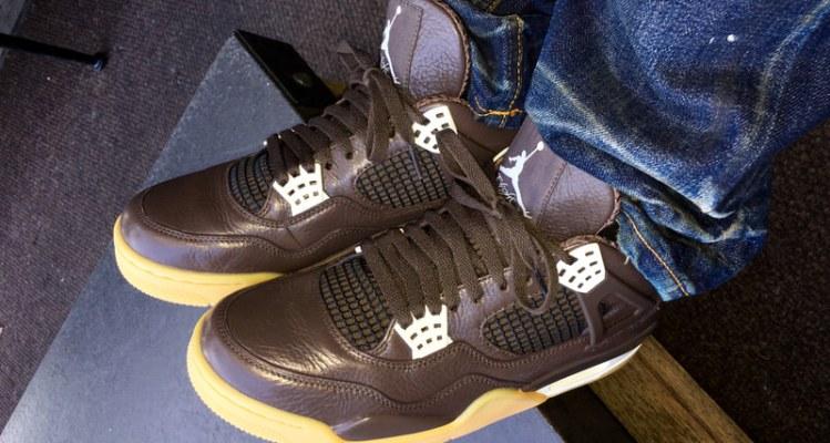 "Anthony Hamilton Debuts ""Chocolate"" Air Jordan 4 PE"
