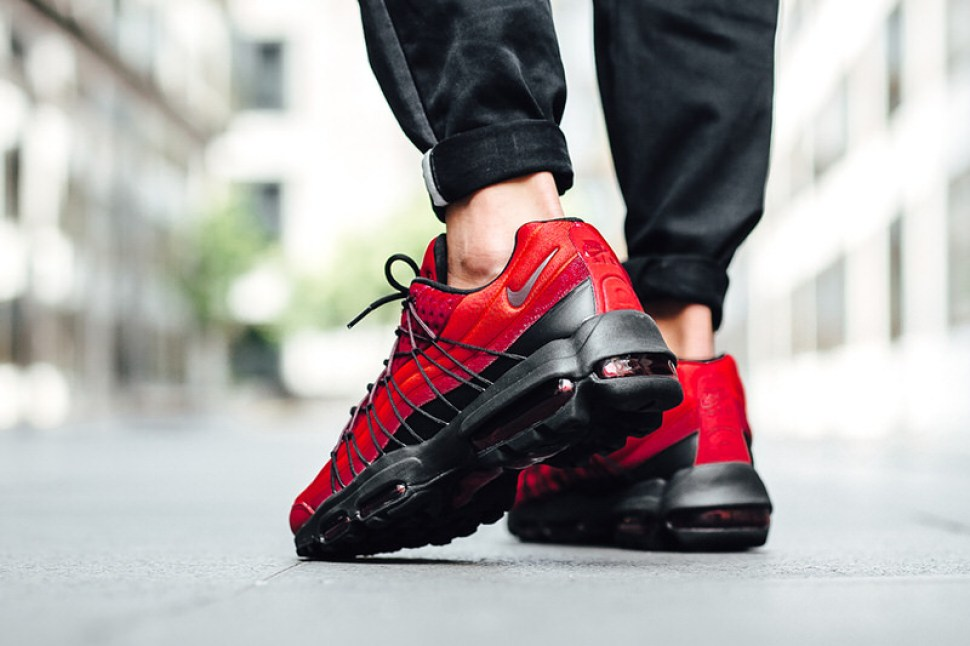 915a0e12a893ba ... Nike Air Max 95 Ultra SE Action Red
