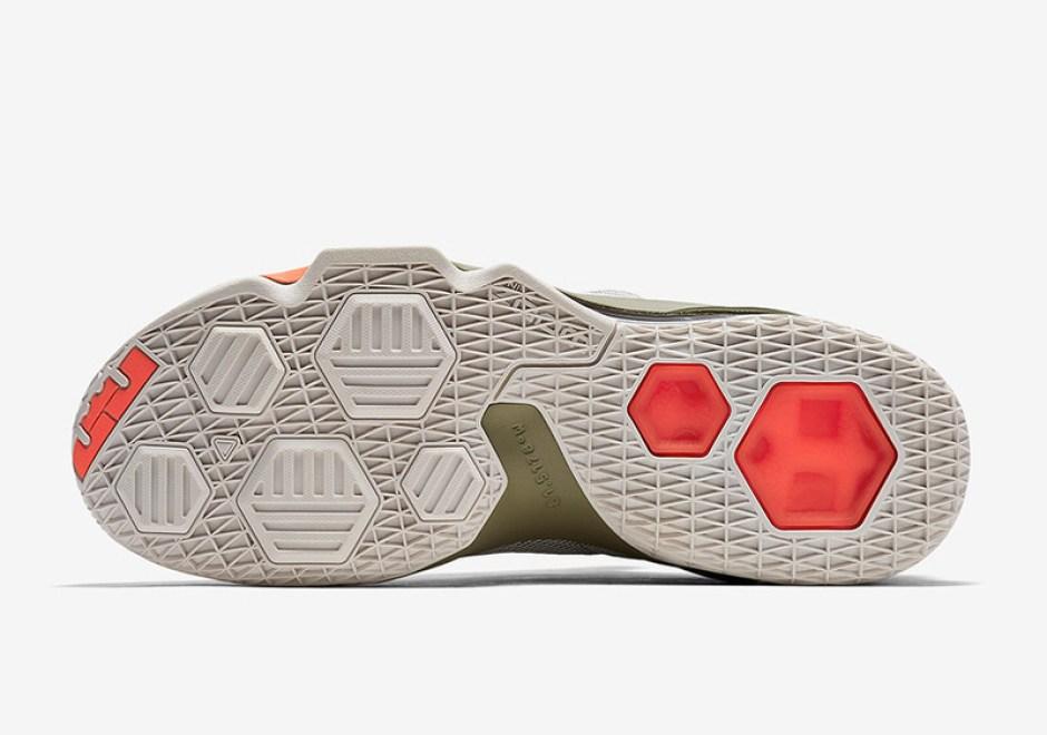 Nike LeBron 13 Low PRM