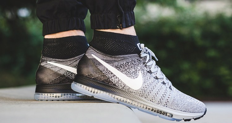 competitive price 3bc58 43975 Nike Zoom All Out Flyknit Oreo