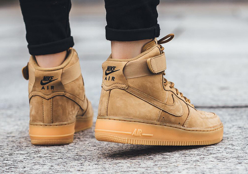 ... Nike Air Force 1 High Flax