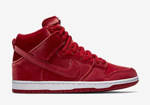low priced 00612 f4235 Nike SB Dunk High