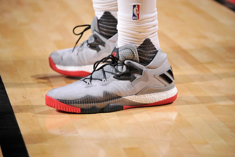 James Harden's adidas Crazylight Boost Low 2016 PE