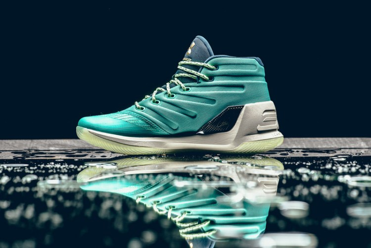 "Under Armour Curry 3 ""Reign Water"""