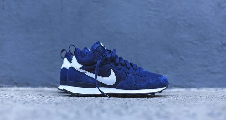 hot sale online d6991 cb95d Nike Internationalist Mid NavyWhite