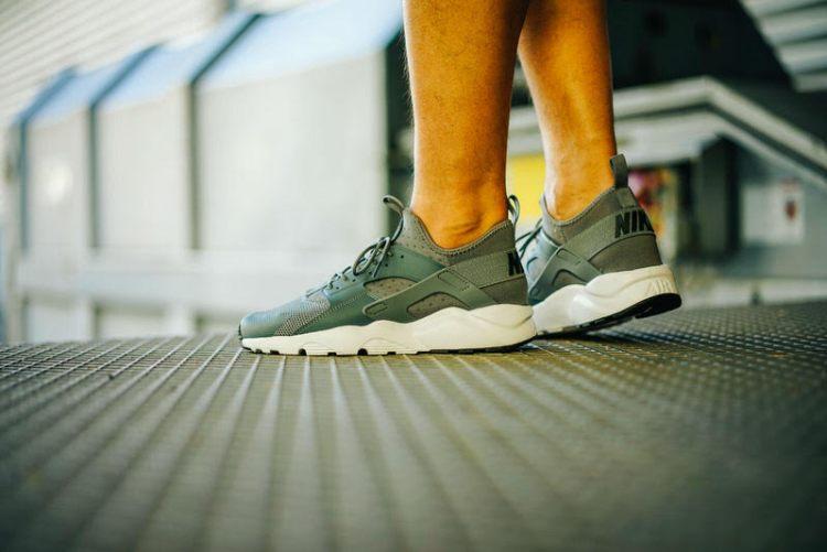 7704ca55922c Nike Huarache Run Ultra