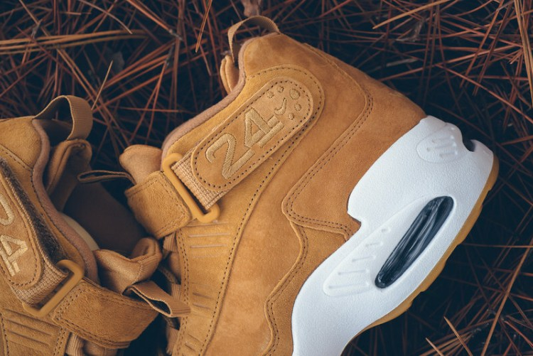 "Nike Air Griffey Max 1 ""Flax"""